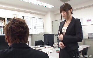 Japanese office chick is in for a spicy treat near the new guy