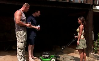 Rough outdoors double penetration threesome with Asian Jade Sin