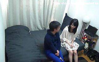 Nampa Tsurekomi, Hidden Camera 82 Mari 20-year-old barber