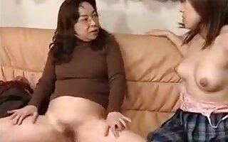 Lustful housewife plays out her lesbian fantasy with a gorg